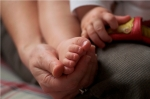 intimacy_baby_foot